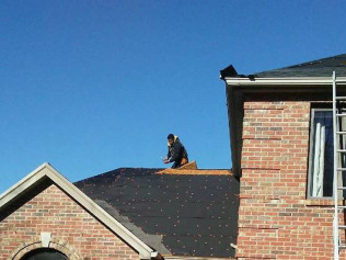 Let our experienced crews tackle your tough roof repair jobs in Owensboro, KY